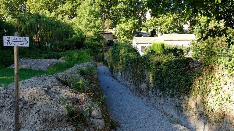 Cheminement piéton parking du Silo -> centre du village